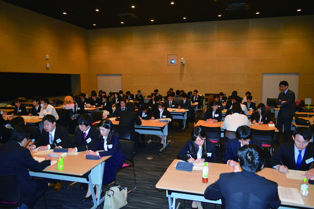 12月号 名古屋大学法学部生向けに模擬接見を開催しました(永尾光史朗先生).JPGのサムネイル画像